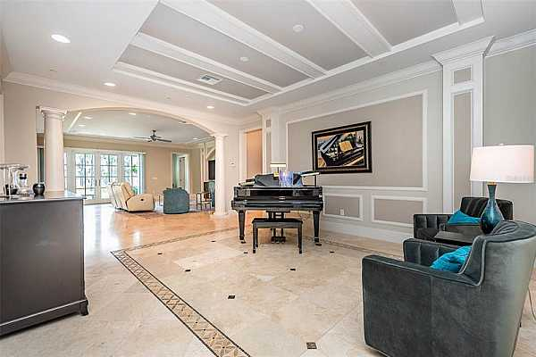 Photo #8 Flex room - piano, formal dining, game room