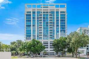 Browse active condo listings in STAR TOWER